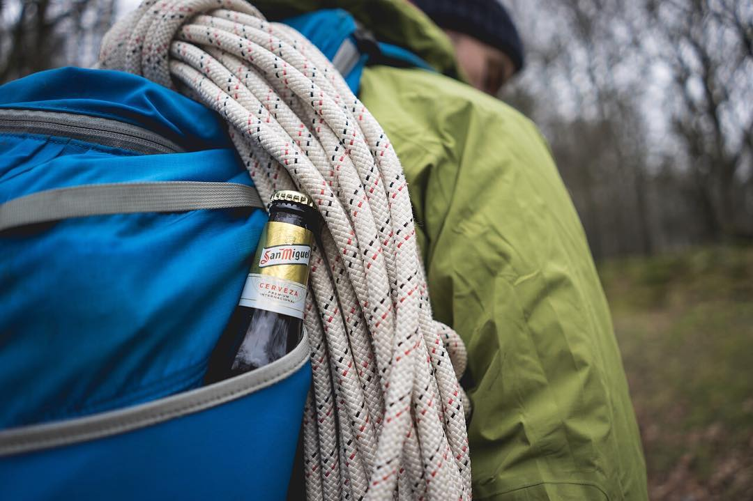 You know why we love our @boreasgear packs? #beerpockets . . . #lakedistrict #abseiling #peakdesign #findyourpeak