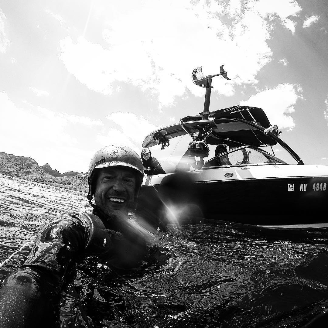 Sesh on!!! #teamcenturionboats | @centurionboats | @roswellmarine | @hiballenergy | @bodyglove53 | @skyskihydrofoils | #HighFivesAthlete | #ChoosePositivityNow.com