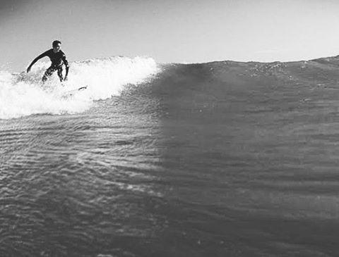 Just One Option Keep Surfing  30% OFF en toda la tienda (link en la biografía)  Chequeá todos los nuevos ingresos disponibles en jooks.com.ar  #jooks #surf #sun #surfcamp #surftime #brand #clothes #shirt #tshirt #argentina #mardelplata #surfer #surfing...