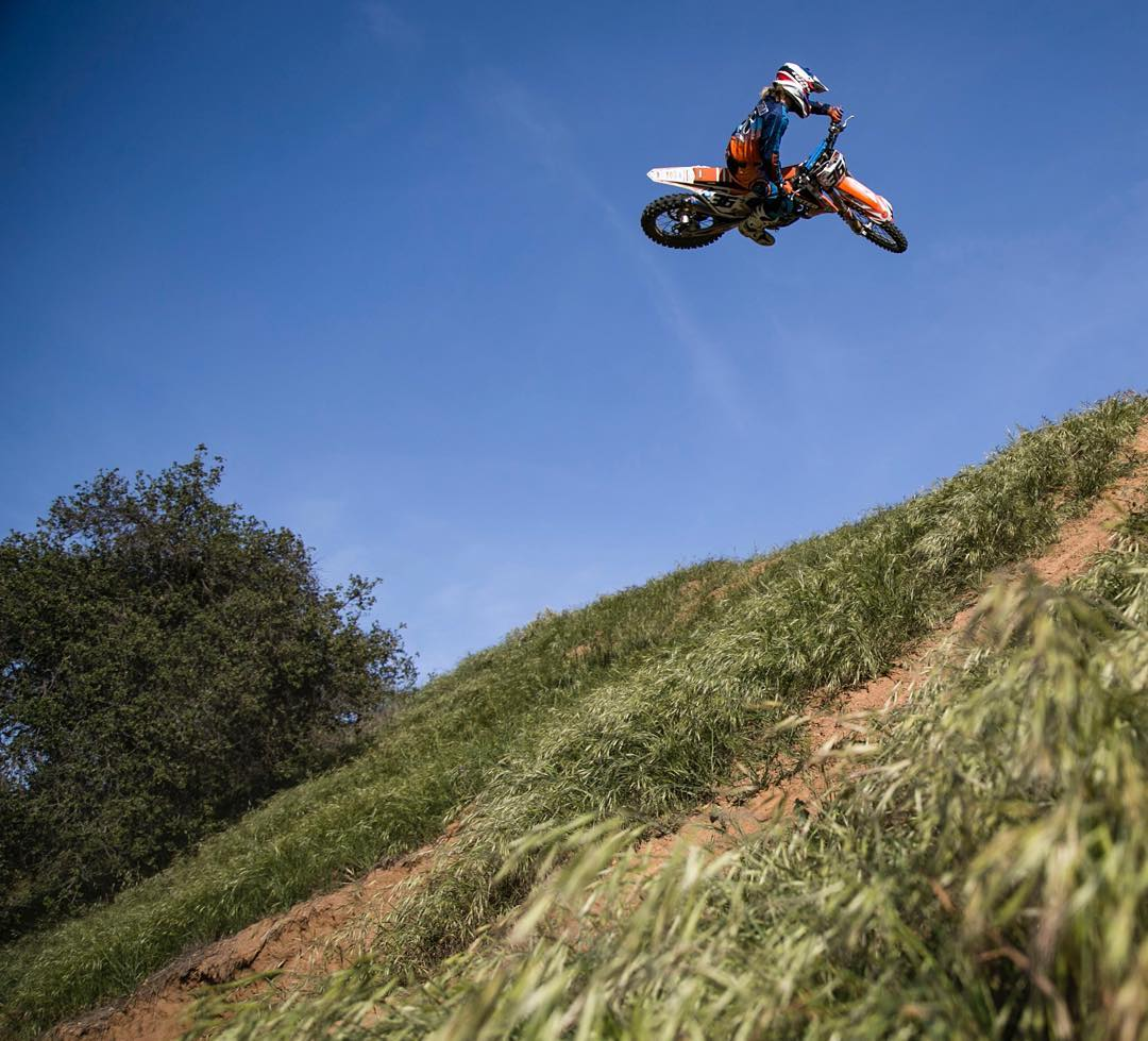 @matt_cordova grabbing the shot and making me look good! #thehills #shred #moto #atifamily #whip #SVGE