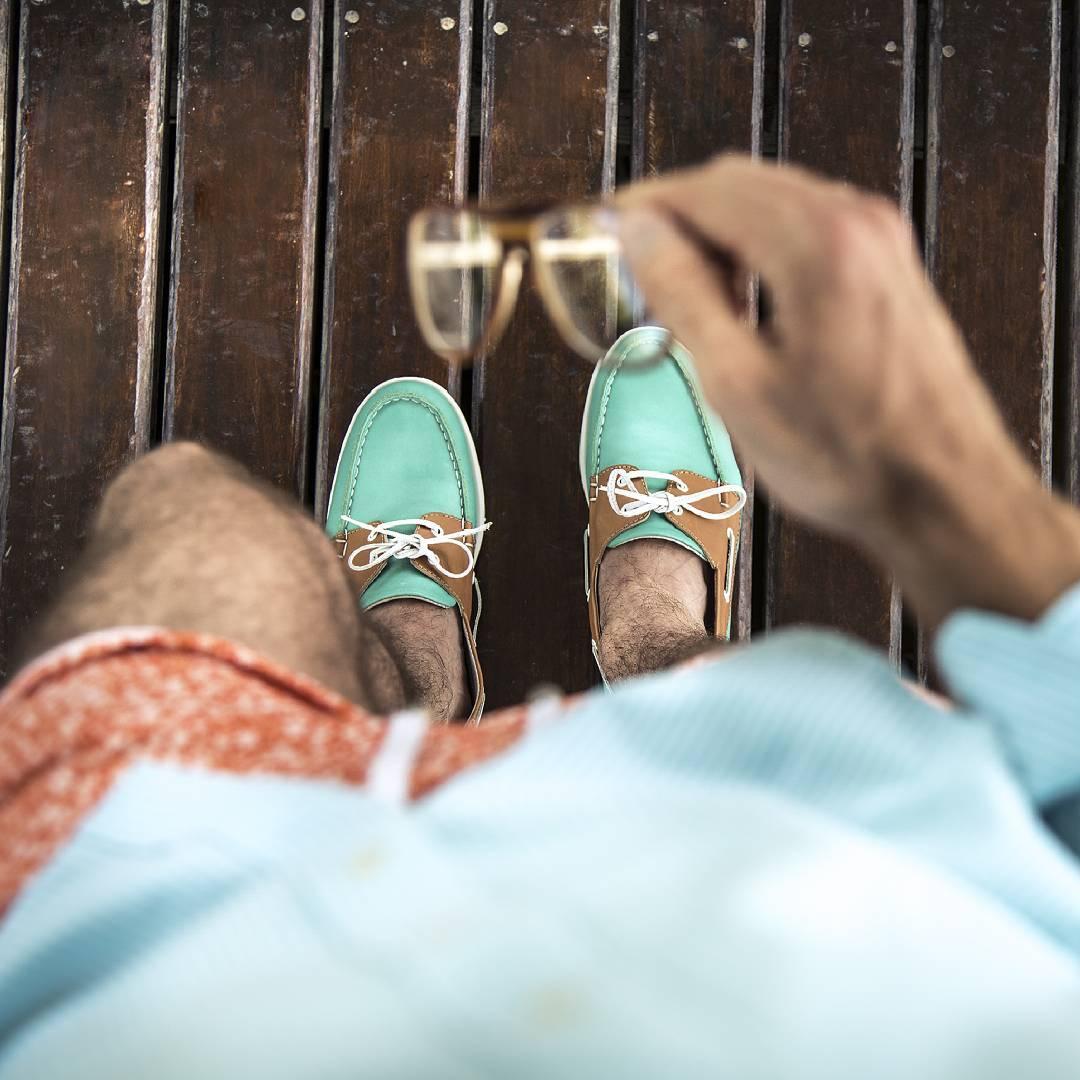 Lo último que nos ponemos y lo primero que pensamos  #TwinsStyle #takealook #beach #verano #sunset #sun #moda #modahombres #calzado #zapatos #instafashion