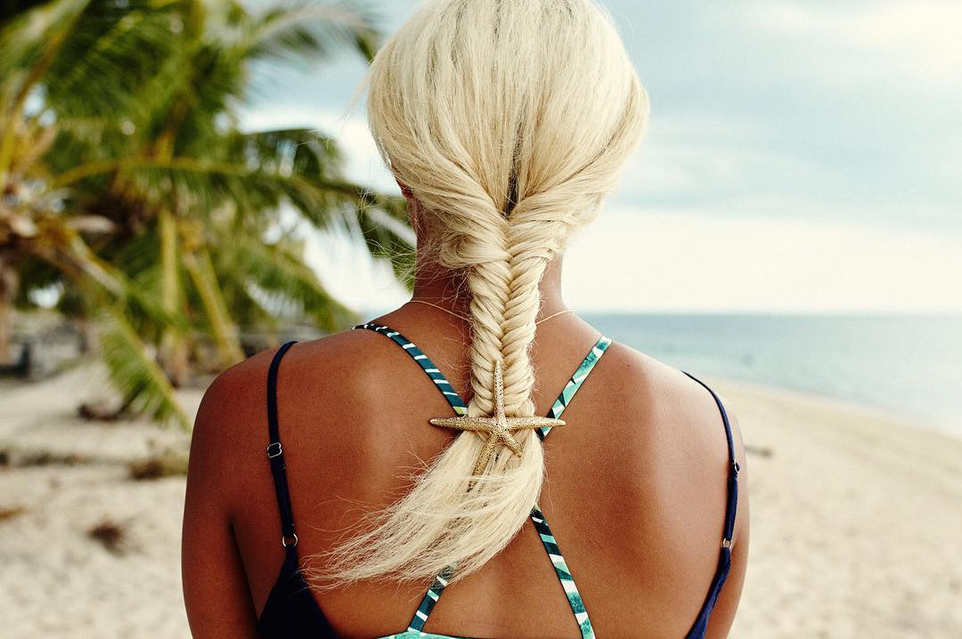 The step-by-step guide to nailing the perfect beachy fishtail braid is on the blog now, link in bio.