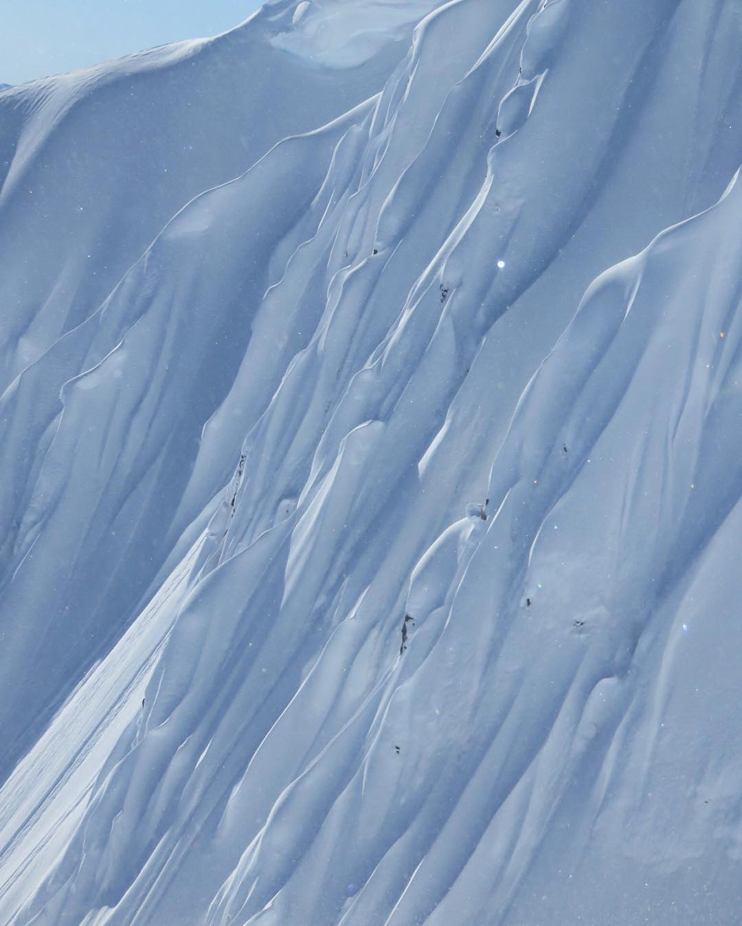 #Repost @johnjamun ・・・ This is the same face as the last pov I posted, can you tell? Kinda got lost in there dodging sluffaluffagus. Thanks for getting us out there @alaskasnowboardguides #spilointen