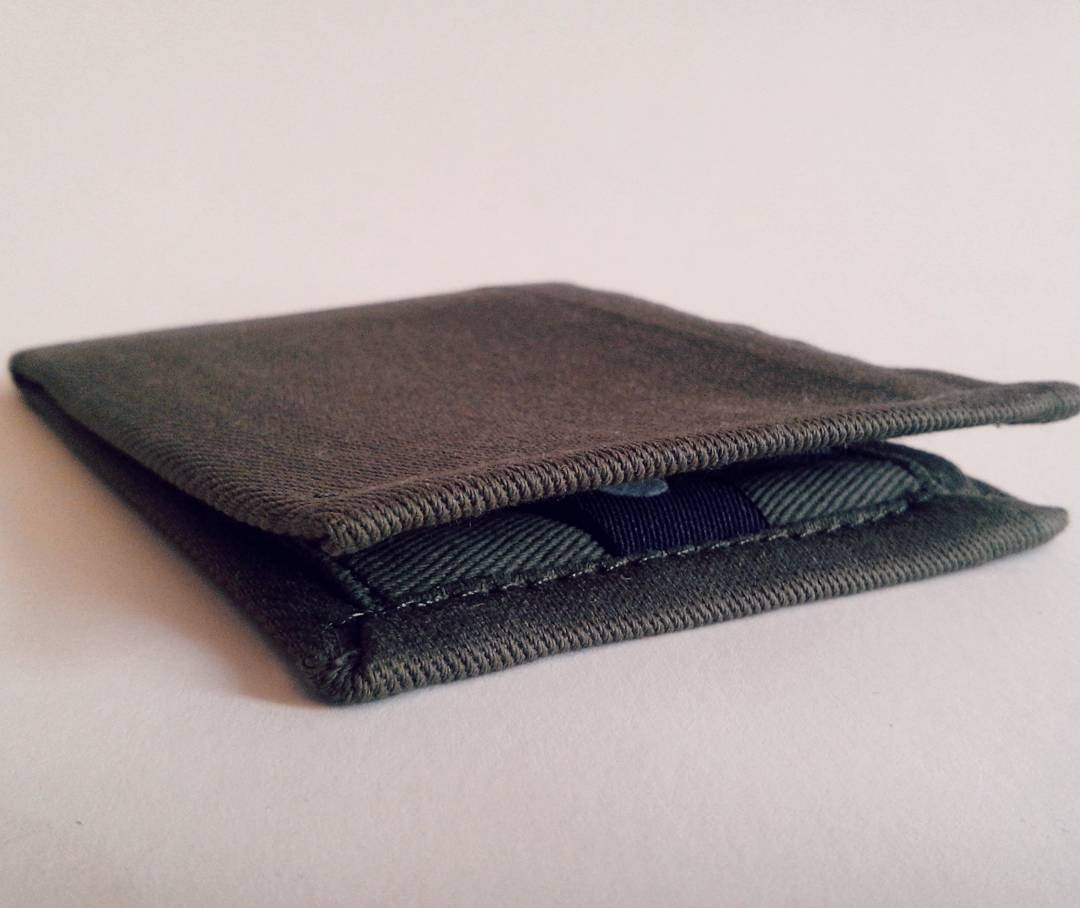 Con nuevos proyectos y creaciones nuevas vamos despidiendo la semana #purodiseño #buenosaires se las trae y ahi vamos a estar compartiendo y mostrando todos nuestros diseños y creaciones. Creemos que en lo simple esta la calidad y aqui nuestra #wallet...