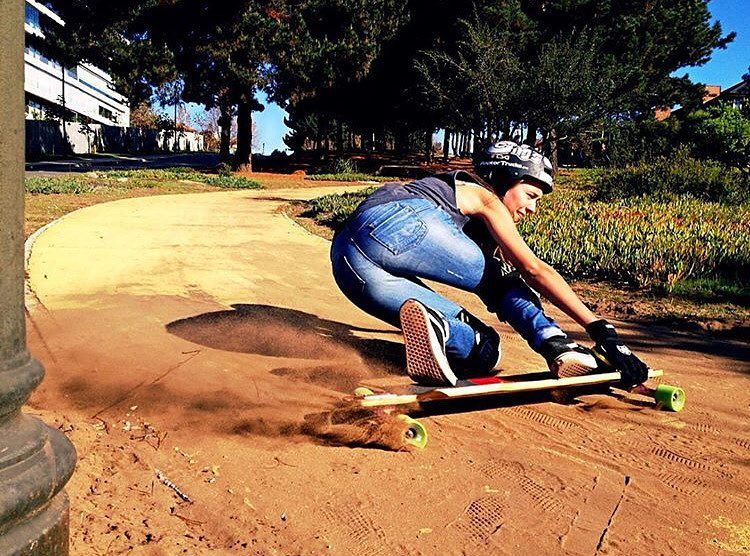 @lgcchileoficial & @dhfem_chile rider @valentina_urrejola dirt sliding ⚡️ Buena Valen!