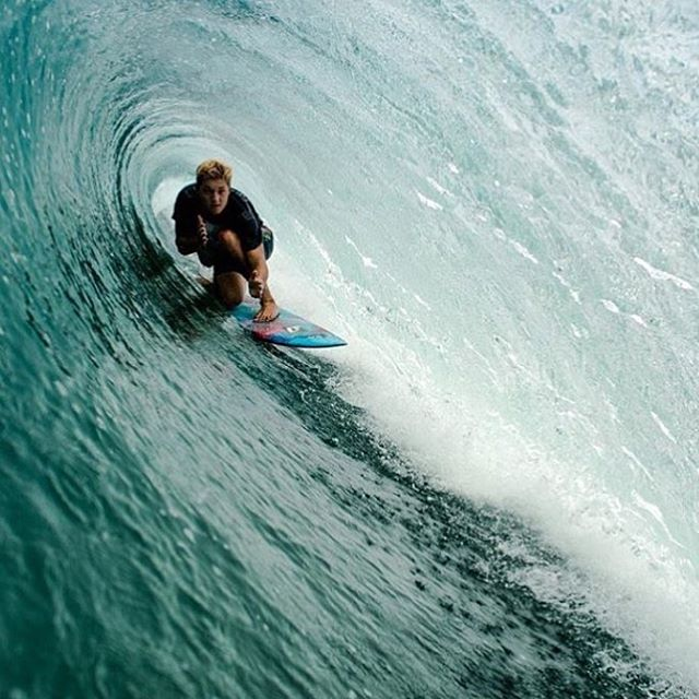 @_mitchard tucking into the fold in Nicaragua. It's Saturday, enjoy the view! #teamprolite #surftravel #microdot #surf