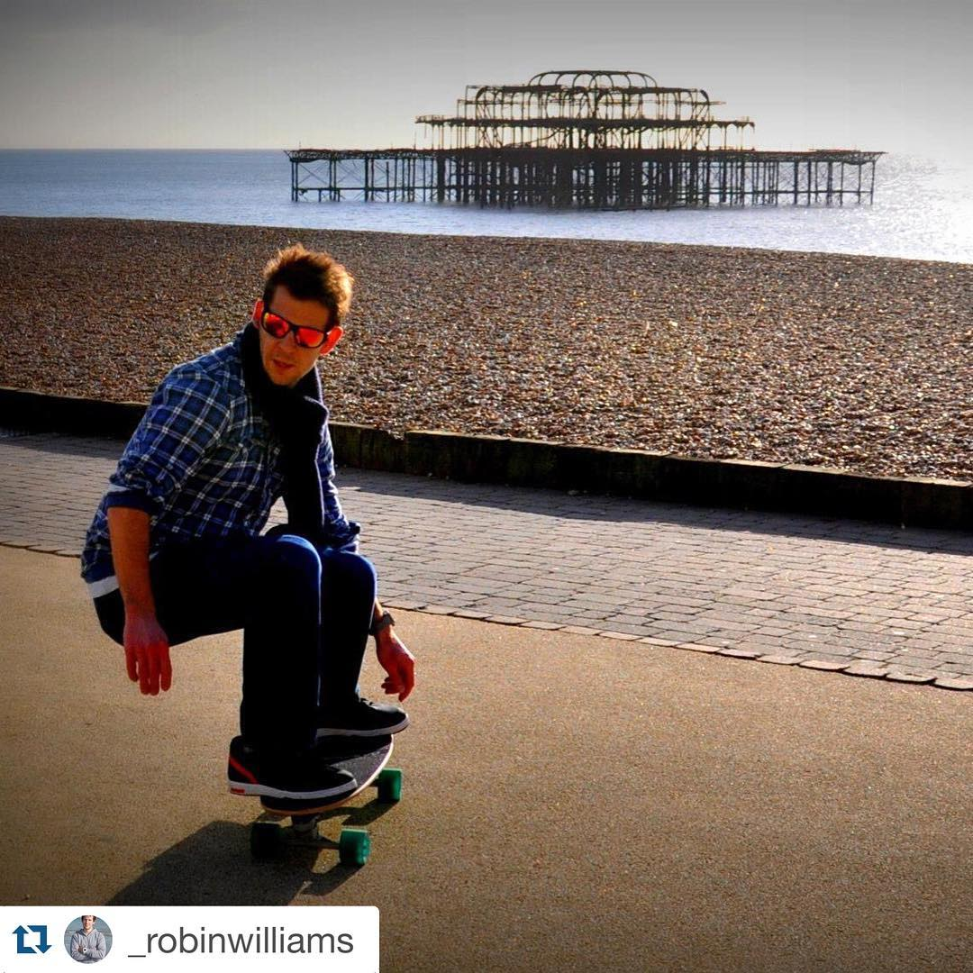 #Repost @_robinwilliams with @repostapp. ・・・ AM skate sessions #skateboard #surfonland #beach #ocean #morning @carverskate @carver_skateboards @nikesb