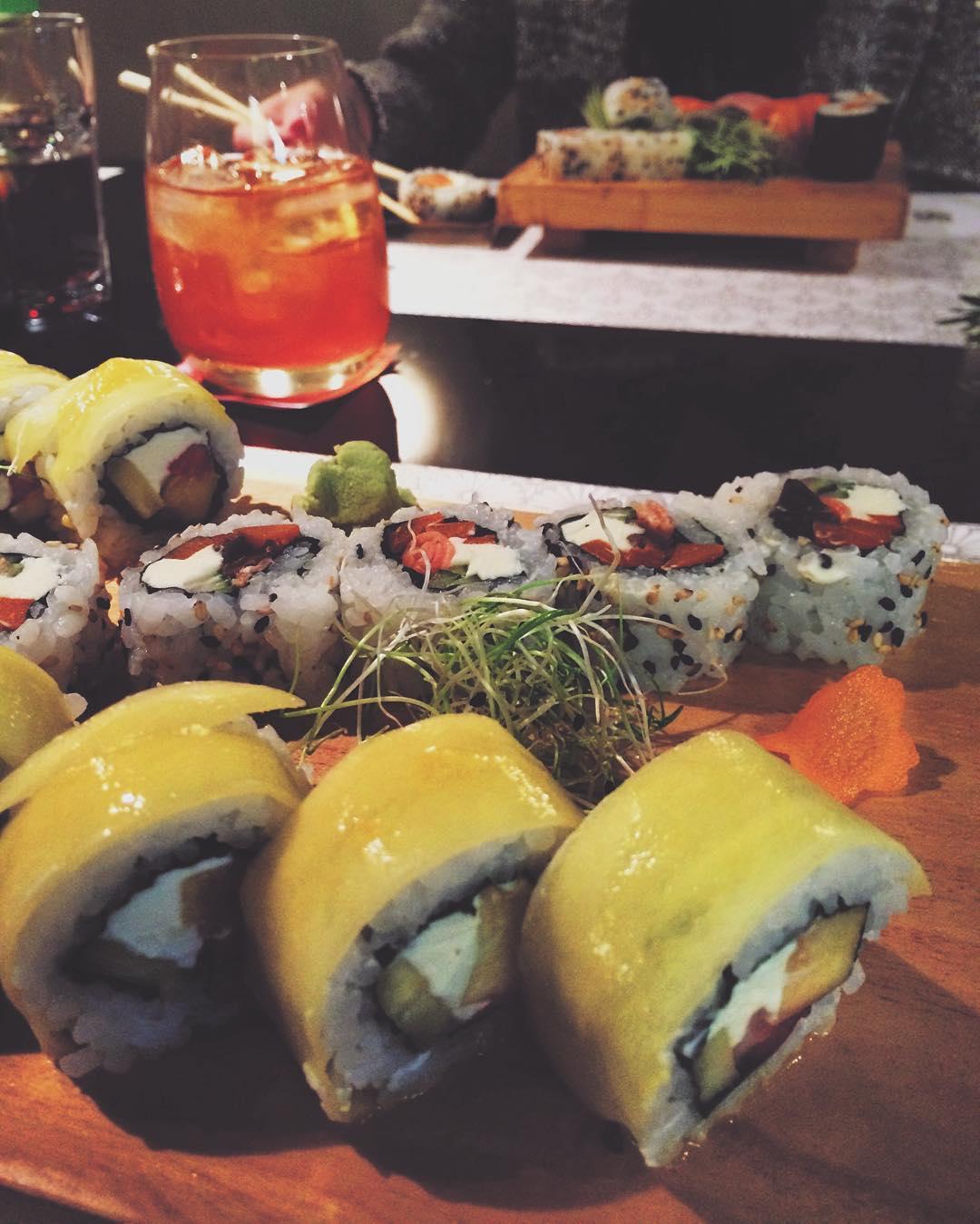 Sushi veggie roll salado y agridulce fuera de la carta hecho especialmente para mi