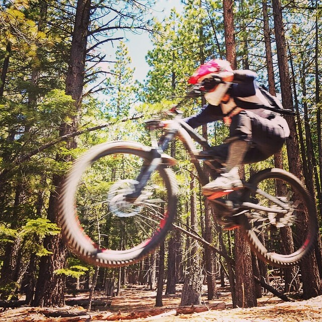 Jumping into mountain bike season full force! Today we had a bunch of ladies crushing Corral laps. I could no stop smiling! #tahoelife #biketahoe @dakine @oakley @epicbar @stcrossfit @avalon7 @kirkwoodmtn #ilovemybike photo: @michellekellydoesntele