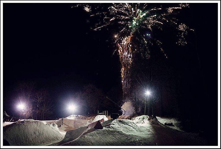 If you could change one thing about your local park what would it be? Creative features? Banked slalom? Tow rope? Let us know! We're hyped on this shot of #occupypando, it's got it all! #RIPPANDO