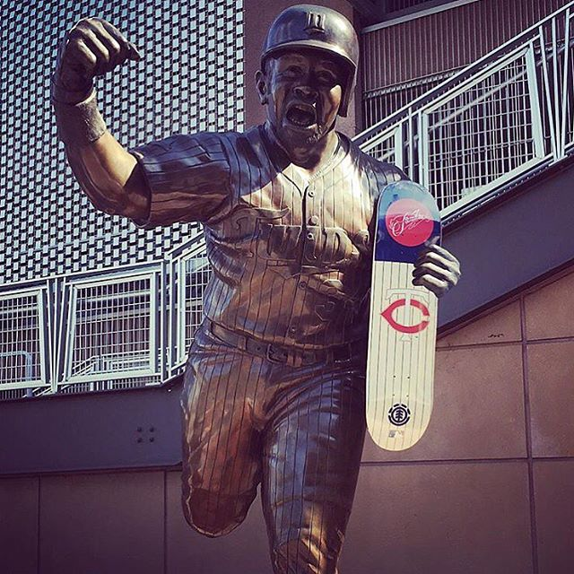 @familiask8shop has the Minnesota Twins on lock in the new #elementxMLB collection >>> take a look at every shop and their exclusive team:  @ftchaight - SF Giants @escapistskate - KC Royals @kineticskateboarding / @nocturnalskate - Philadelphia...