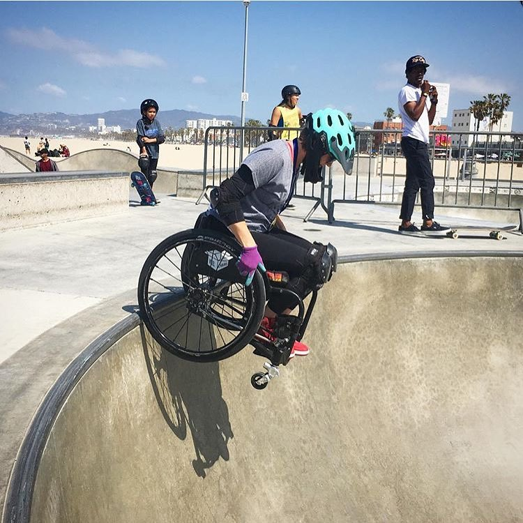 No limits ⚡️ The current WCMX Women's Champion @swellonwheels dropping in during this past weekend's Venice Ladies Springtime Jam in Venice Beach, California.  We always can
