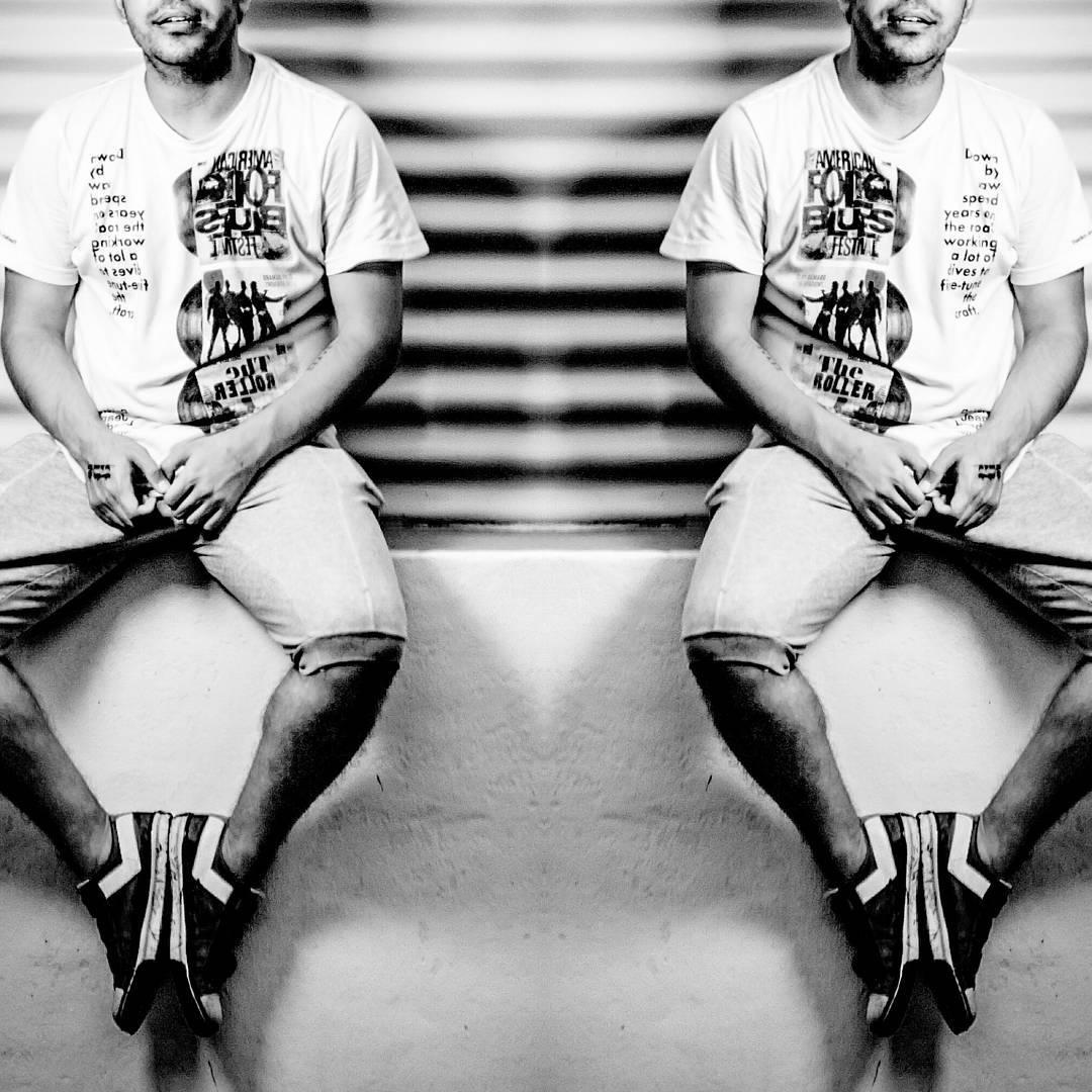 •Light is the darkness most fear•  S H O O T E R  L O W ☇  #sneakerfreaker #sneakerhead #sneakers #sneakerporn #sneakerholics #shoestagram #kickstagram #shades #shadow #light #darkness #patterns #line #mensfashion #menswear #bloggers #vscocam