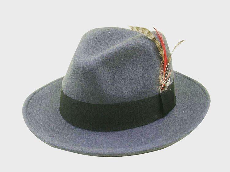 Por fin llegaron los sombreros a @fightforyourrightok ! Podes comprar en www.casafight.com en http://eshops.mercadolibre.com.ar/FFYR y en nuestro local de la galería Bond Street Santa de 1670 local 40!
