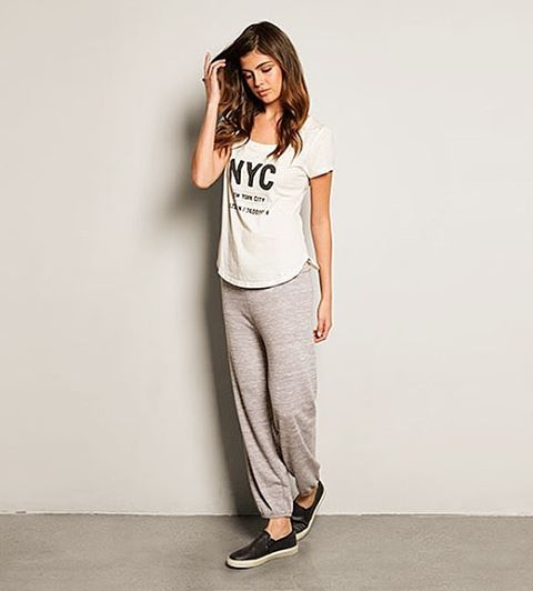 Rainy day in #NYC calls for sweats and our new NYC Maven Tee. #rainyday #Tuesday #newyork #sweats #comfy #loungewear