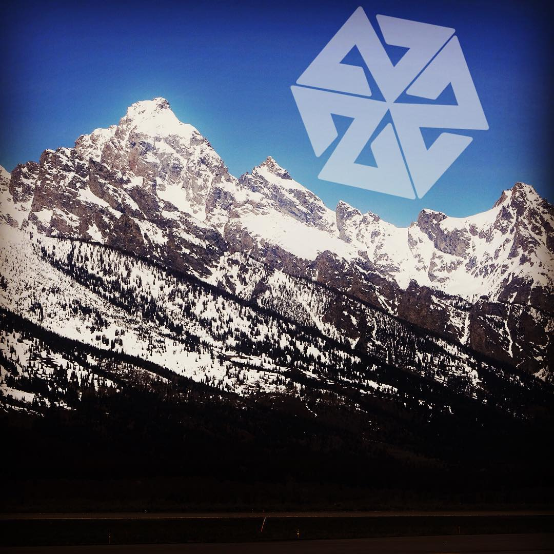 Gotta love the view from the Jackson Hole airport. It's always hard to leave these mountains, but it's a big world and adventure awaits! Off to Greenland looking for pow, waterfalls and rotten shark appetizers. #avalon7 #liveactivated #adventuremore...