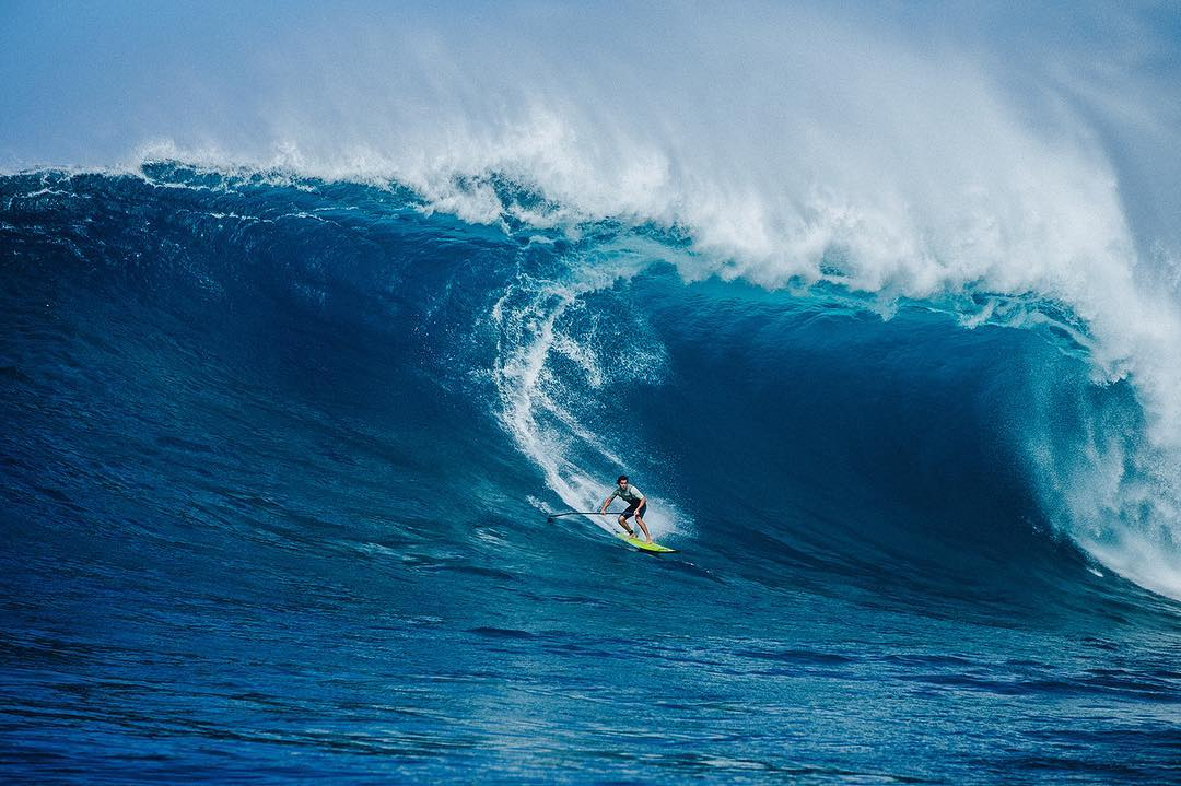 @momosurfs no holds barred at Peahi  #allthingswater #bodyglove  www.bodyglove.com