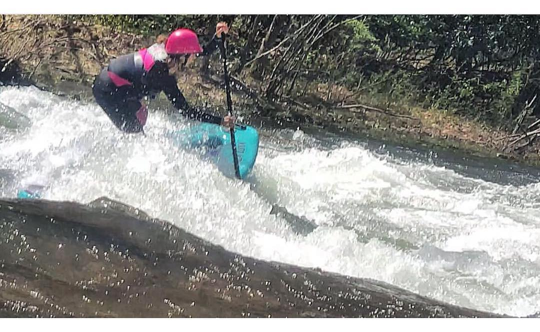 @potomacsurfer charging on her #halaluya!  #halagear #adventuredesigned #paddlewithfriends #isup #inflatable #standuppaddle #paddleboarding #suplifestyle #adventurers #sup #supthemag #repostmysup #stand_up_paddle #paddle #paddleboard...
