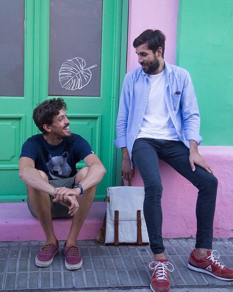 Urban buddies  www.tinchoandlola.com