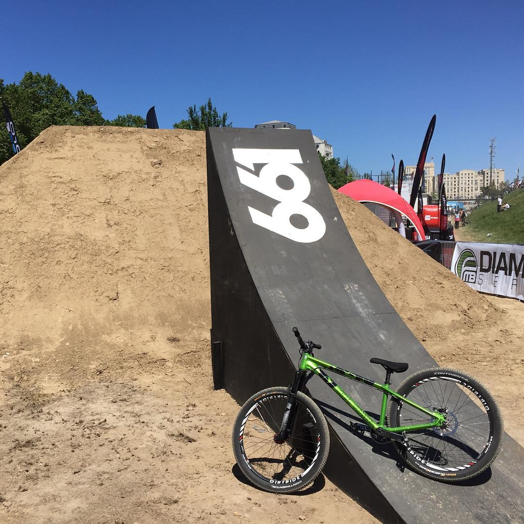 661 Sender! @tomaslemoine on site at @fiseworld getting dialled in for this weekends comp... #SixSixOne #661Protection #ProtectFun