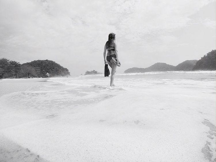 Catch the moment #katwai #swimwear #handplane #woodhead #bodysurf