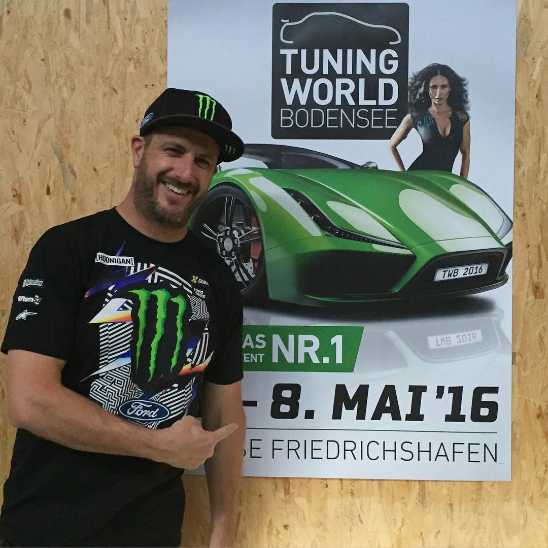 Guten Morgen, Friedrichshafen! I'm here and about to do some autographs at the Tuning World Bodenese show for my partner @ST_Suspensions. If you happen to be here today, come by and say hi/get your forehead signed! (not joking about that, I'll sign...