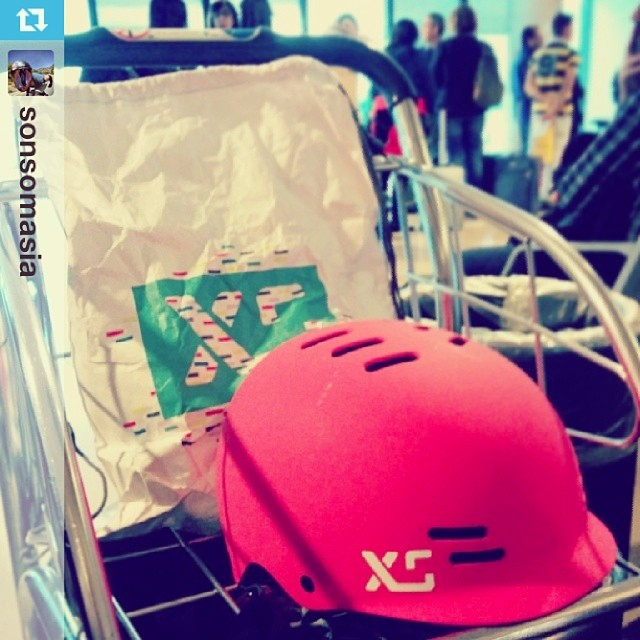 XS team rider @sonsomasia on her way to Oslo with her Neon  Freeride helmet. Good luck and safe travels! #skategirl #skate #xshelmets #travel
