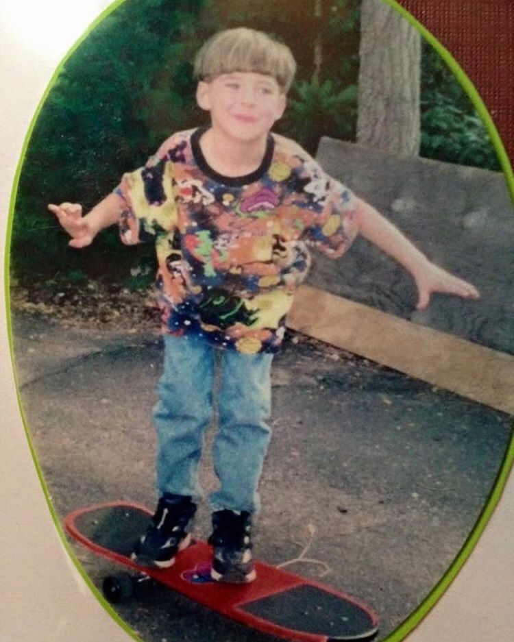 Yo yo yo this is @mitch_stfg and I'm taking over the gram today!! Going to be sharing some photos of myself/friends/ and who knows what?! So keep your eyes peeled. This is a picture of my first skateboard, as you can see I was rocking a space jam tee...