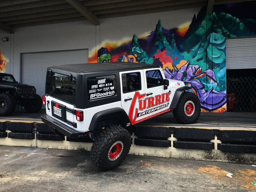 Our buddies from @currieenterprises showed up in their daily-driver Wrangler JKU and took a different approach (literally) at the Donut Garage dock. Kinda nuts that this thing just crawled up relatively effortlessly! Thinking about having a...