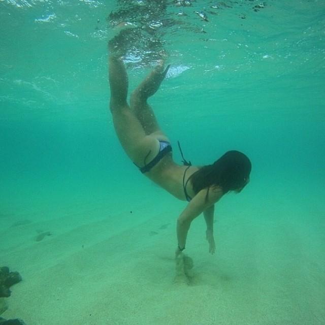 Loving these #mermaid shots from our girl @sehsa having fun underwater in Maui! Last chance to register for the Maui Yoga Conference 4/19 at the Maui Yoga Shala! @mauiyogashala  #localhoneydesigns #sarahcallaham #maui #mauiyogashala #mermaid #bikini...