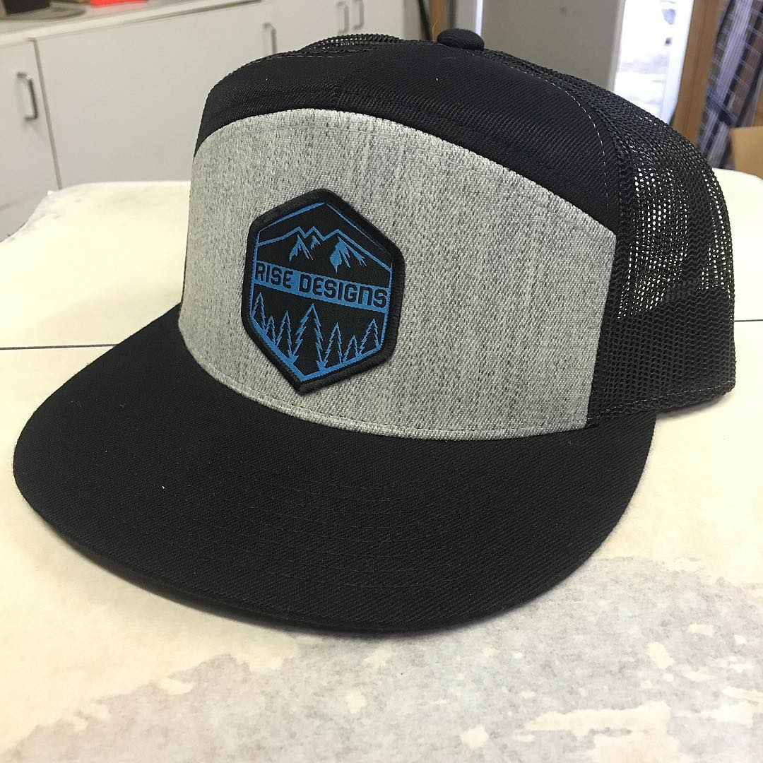 Got some one off down here at the shop. Here's a 7 panel mesh back . You dig? There's only one, who wants it? $26 shipped #risedesigns #risedesignstahoe #riseshop #snapback #flatbrim #inspiredbynature #drivenbydesign #trees #mountains #tahoe #tahoelife