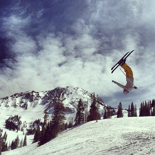 #crowdpleasers all day with perfect spring conditions @altaskiarea