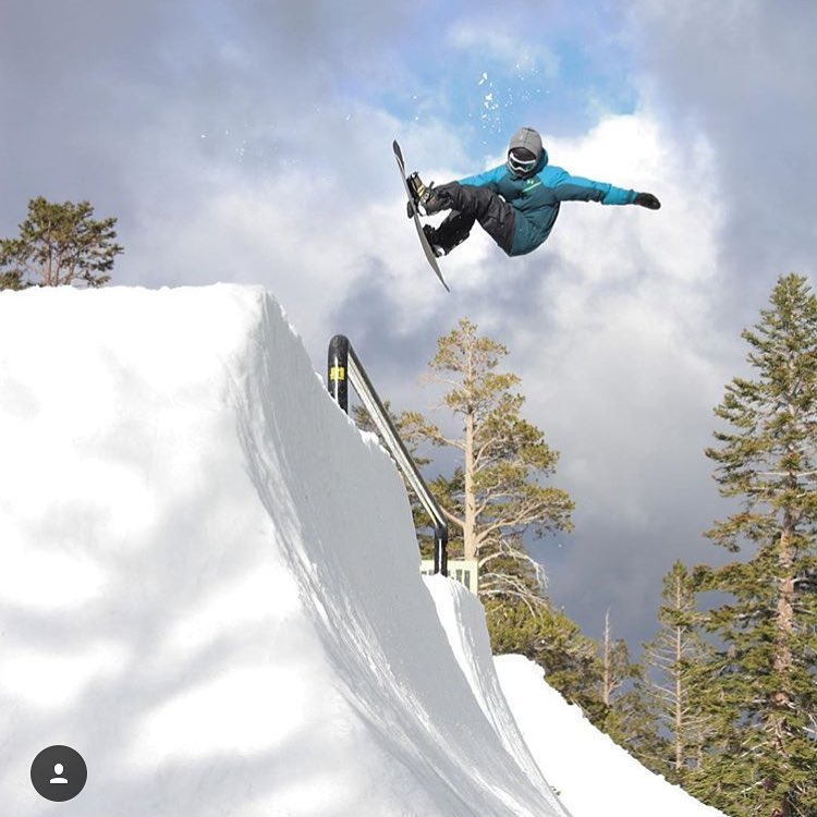 @camfitzpatrick ripping one of the super features at SuperPark. Super!  #a7renegade #avalon7 #liveactivated #snowboarding www.avalon7.co