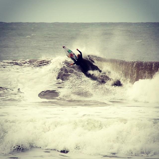 @leleusuna  en el #SurftheCheckList by #vans.  Mira fotos, videos y contenido del campeonato en nuestro Tumblr y Facebook.  Foto @canty_ramos  #surf #surfing #surfvans  #vanssurf