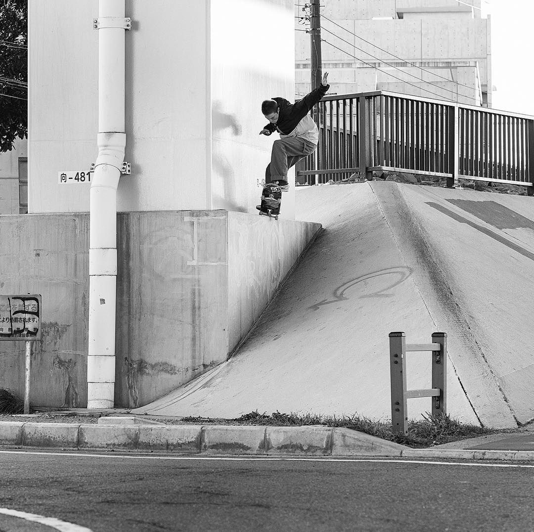 @tfunkb, popping out of a gap 50-50 into the bank. Watch the 'A Tour of its Own-Japan' video on our YouTube channel to see the footage. Photo: @blabacphoto #tfunk #DCShoes