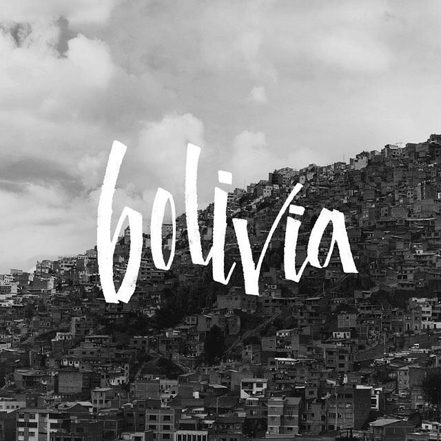 Esta foto es desde el revolucionario telesferico de La Paz que a modo de transporte público unió por primera vez el centro de la ciudad con El Alto.