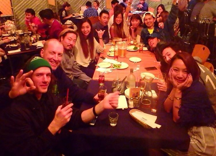 Kicking it in #LA with @shoma3 @ray0221 @_swells_  And friends at some of the best Japanese food I have had- thanks so much guys! Getting ready to got out for a night in #Hollywood | #weareok | #handmadeusa | #smokinsnowboards