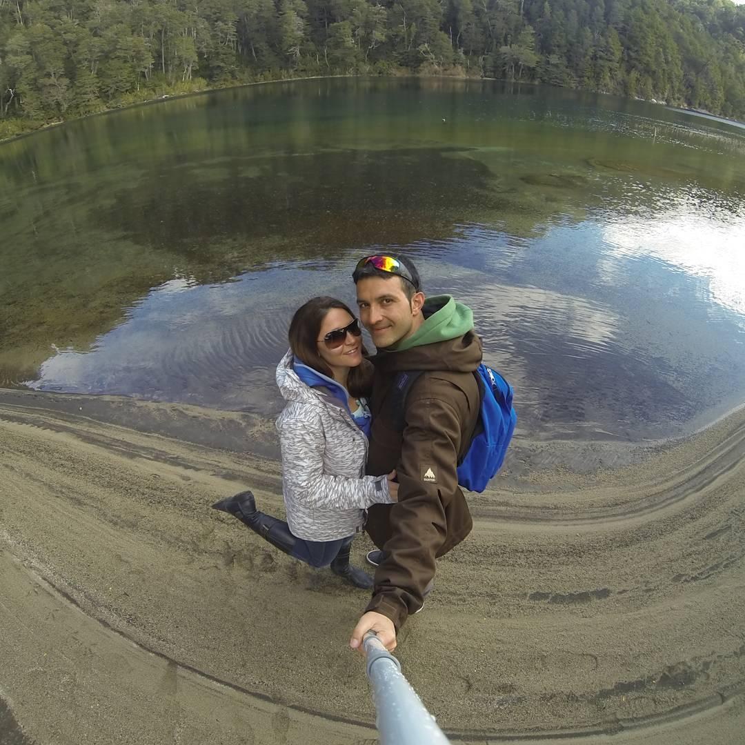 Aca esta de nuevo....mi compañera de emociones y de mi vida!  #allnatureshots #gopole #gopro3 #goproarg #outdoor #argentina_ig #argentina #goproadventure #picoftheday #neuquen #lago #estaes_america #arte_of_nature #espejo #earthpix #frio #hermoso...