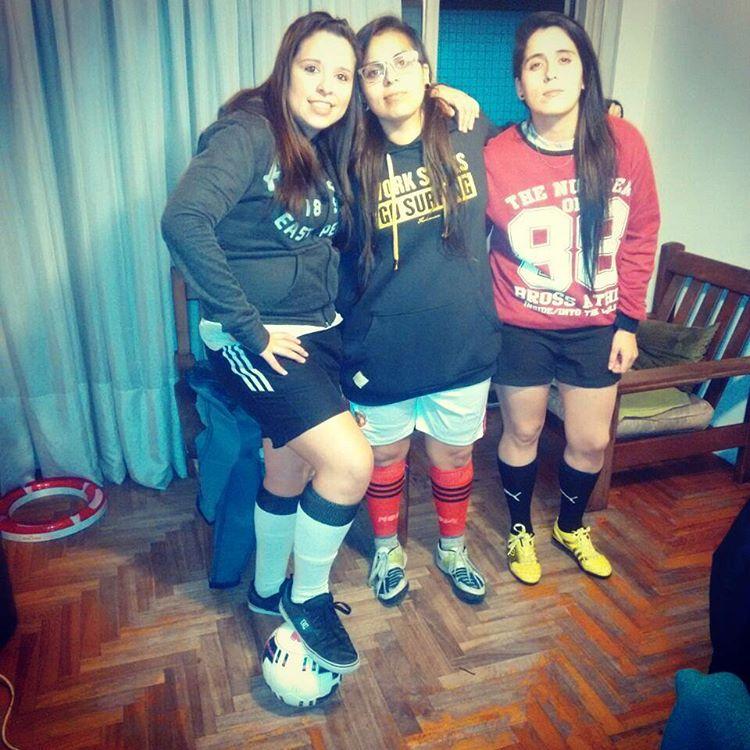 #futbol hoy, mañana y siempre ❤  #futbol5 #hayequipo #team #equipo #friends #amigas #players #jugadoras #myteam #lesbians #futbolfemenino #footballsoccer #footballteam #team #soccer #girls #womenfootball