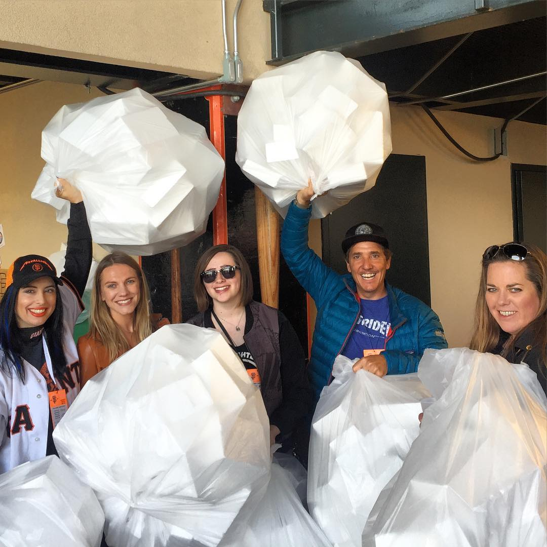 We #RanTheBases last night with the @sfsurfrider crew at the @sfgiants game - by collecting 9 full bags of #Styrofoam packaging, from the gift bag items being given out to all the @metallica fans ! ⚾️ Big thanks to @roberttrujilloo  and @kirkhammett ...