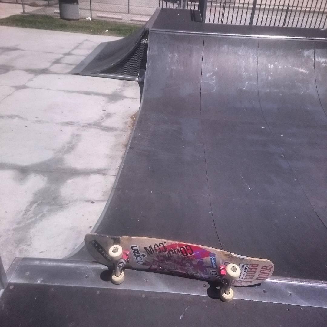 #domingueanding en el #skatepark a la vuelta de casa...