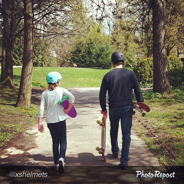 #Skating creates so many rad moments and memories. Father/daughter #skate by @xshelmets. #skateboarding #skatelife #family #fun