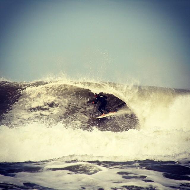 Tubazo en el #SurftheCheckList by Vans. Fotografiado x @canty_ramos.  Mira fotos y videos del campeonato en nuestro facebook y tumblr. Vansargentina.tumblr.com!  #surf #surfing #surfvans #vanssurf #vans #surflife