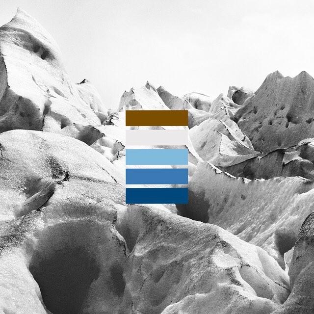 Aunque nos explicaron que los mil tonos de azul eran por la condensación del hielo, para nosotros, nunca dejó de parecer ciencia ficción.  #00487b - #3A79B4 - #80BBDE - #80BBDE - #7B4E00