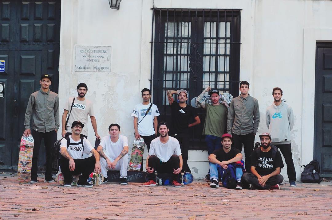 Uruguay + Argentina - Skate y amistad en el #uruguaytour #montevideo #sismo  #emerica #skateboarding