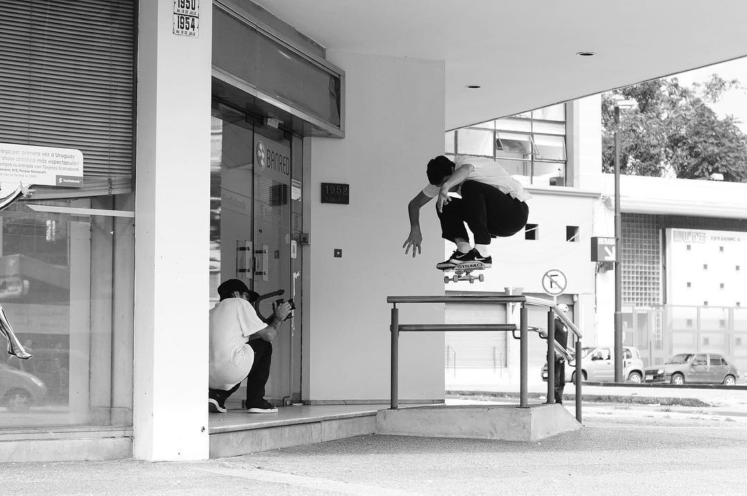 Christian Bica - Ollie y Taine documentando para el #uruguaytour video.