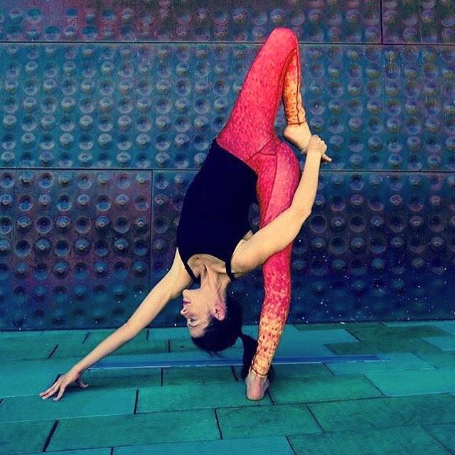 Be present, be aware, and be mindful.  MINDFUL MAY GIVEAWAY - Share how you are being mindful today -  Tag @lauraburkhartyoga + @_okiino_ + #mindfulmay & win OKIINO May 1-31.  #yoga #yogalife #ambassadorlove #yogaeveryday #yogalove #yogaeverydamnday...