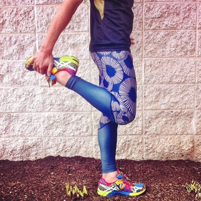Run ladies Run! Repost from @gowithoutwalls #seeacalafia legging