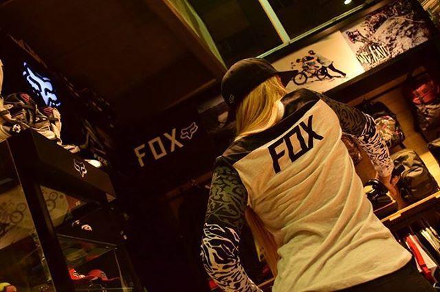 En días pasados, @Juli_Saccone visitó el Fox Concept Store de Olivos. (Avda. del Libertador 2601, Olivos.) Vos también podés visitarnos y adquirír los mejores productos de Fox! #FoxHeadArgentina