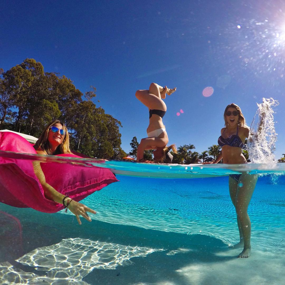 When @jamieanderson, @melissa_marquardt and @leticiabufoni throw a pool party down unda. #